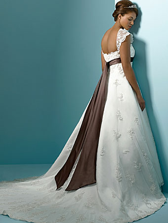 2012 Plus Size Wedding Dress Trends 2