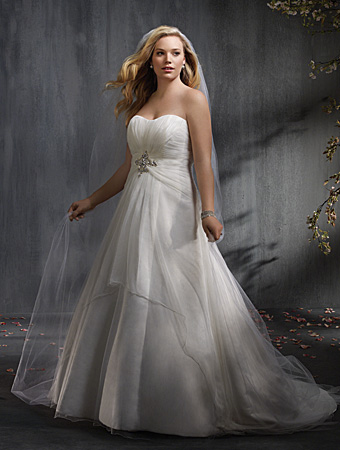 2014 Plus Size Wedding Dress Trends 10