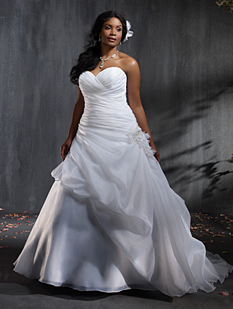 2014 Plus Size Wedding Dress Trends 3