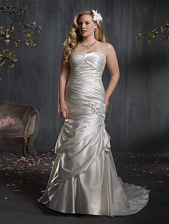 2014 Plus Size Wedding Dress Trends 4