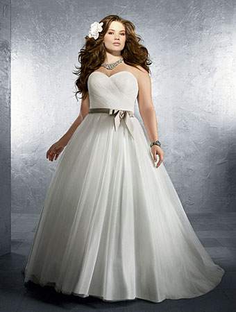 2014 Plus Size Wedding Dress Trends 5