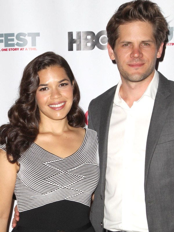 Celebrities With Curves - America Ferrera Wears Monochromatic Versace Dress 2